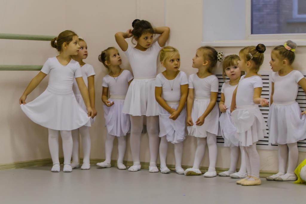 Балетные па и контемпорари: студия гимнастики и танца rize.